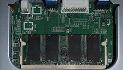 De nieuwe SO-DIMM geheugenmodule in de Brother.