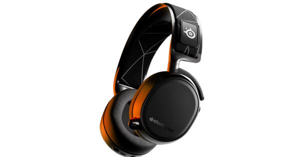 De SteelSeries Arctis 9 Wireless-headset richt zich op multi-inzetbaarheid | Hardware - Gamer.nl