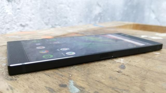 Razer Phone. smartphone, android