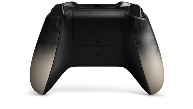 Xbox One controller Phantom Black back