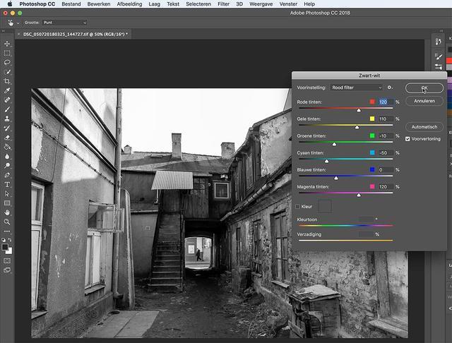 Kies voor de conversie naar zwart-wit in Photoshop eens een rood filter