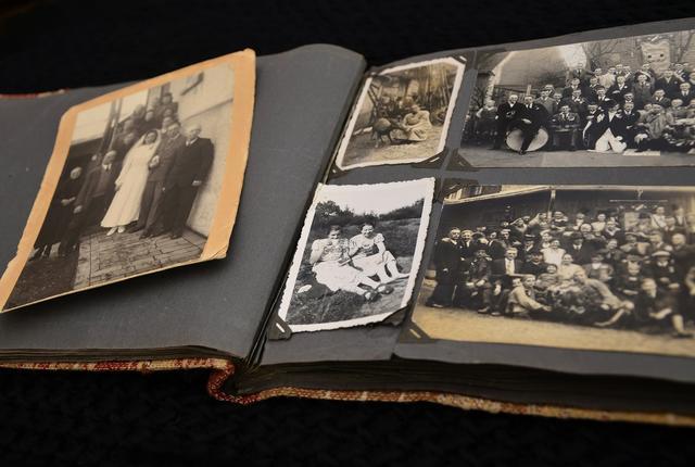 Afbeelding van een oud foto-album