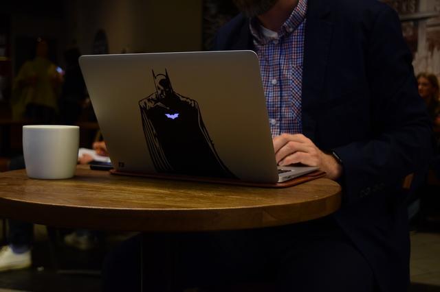Computeren en koffie
