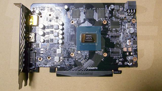 Een gelekte foto van een nieuwe variant op de NVIDIA GeForce GTX 1650 van Gigabyte. Deze beschikt voor het eerst over de TU116 GPU, die anders alleen op duurdere videokaarten gevonden werd.