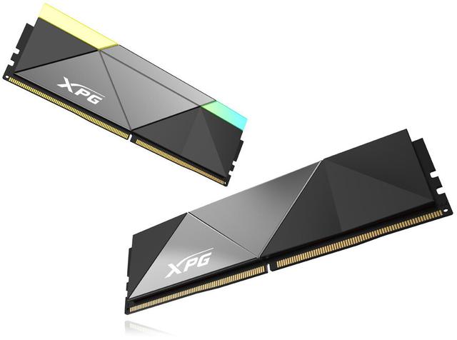 Promotionele afbeelding van de XPG Caster-geheugenmodules, waarvan een met rgb-verlichting, de ander zonder.