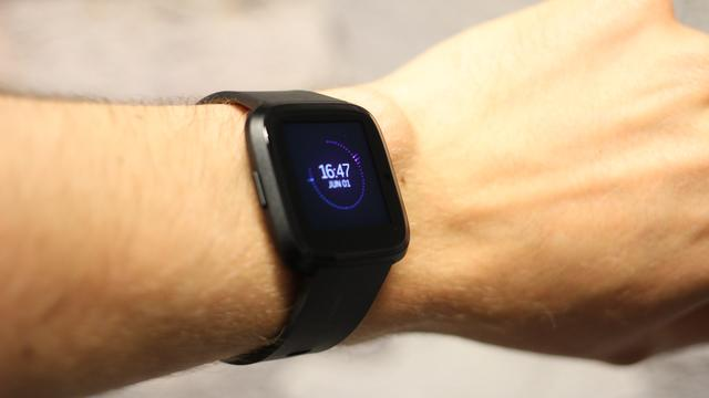 Fitbit Versa, wearable, smartwatch