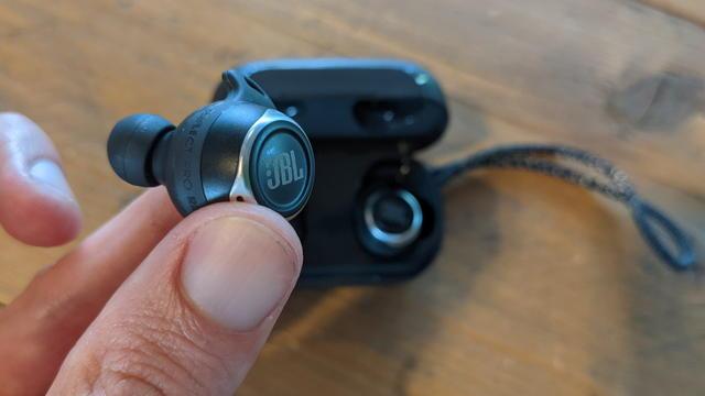 JBL Reflect FlowPro
