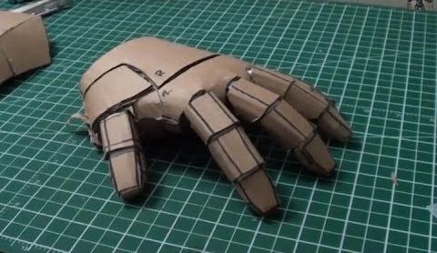 Kartonnen handschoen