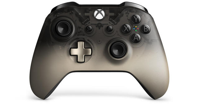 Xbox One controller Phantom Black front