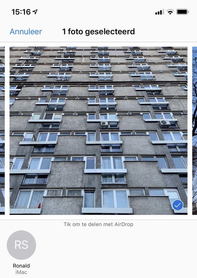 Verzend bijvoorbeeld eens een foto via Airdrop en ontvang deze in macOS of iOS