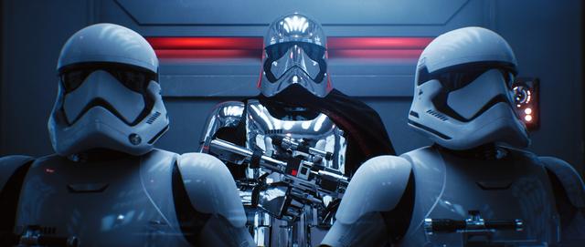 Raytracing-render van een scène uit Star Wars, met daarin twee Stormtroopers en Captain Phasma.